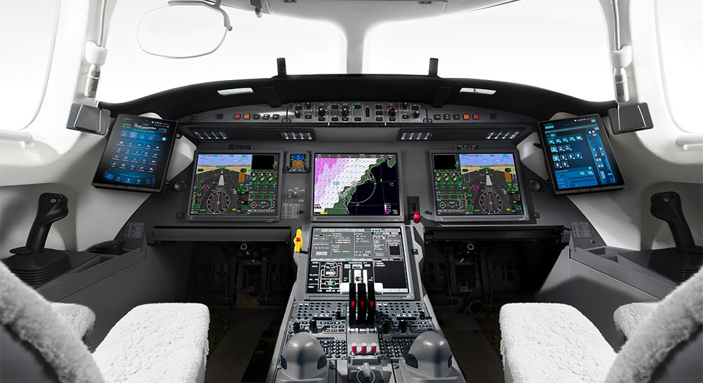 Falcon 7X Flight Deck